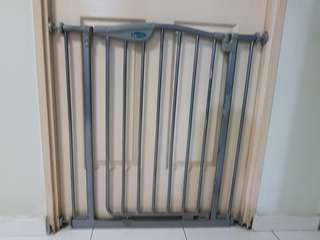 Safety gate (extra tall) for baby, toddler and pet