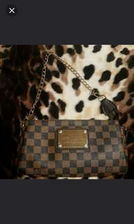10/10 condition LV clutch