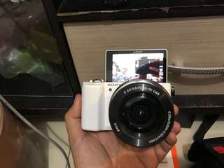 Kamera Mirrorless SONY A5100