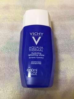 Vichy hydrating refreshing water
