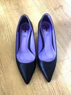 Rad Russel black heels