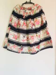 V & V's Midi Skirt