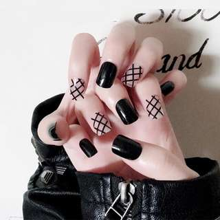 24pcs/Set Punk Black False Nails Net Pattern Short Full Cover Press on Nails with Glue Girls Fingernail Tool Fake Nail Tips
