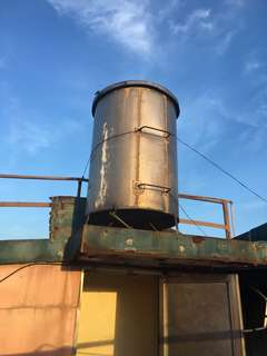 Pure stainless steel water tank