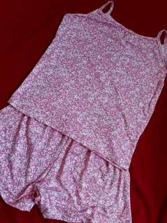 Pink Terno