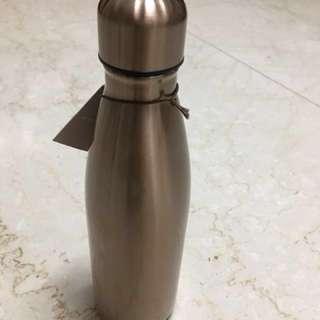 全新 不鏽鋼時尚香檳金保溫壺 價值1580元