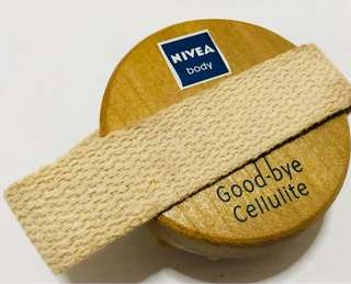 BN Nivea Good Bye Cellulite Massager