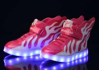#童裝服飾百貨鞋類商品   #葆李廠  CL-0401101108870 兒童新款翅膀帶led燈網布運動鞋