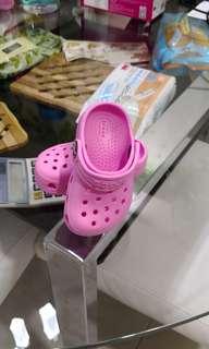 Crocs girl sandal size C4