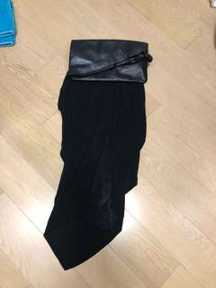 Black stylist clutch