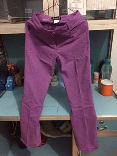 Celana bahan warna ungu