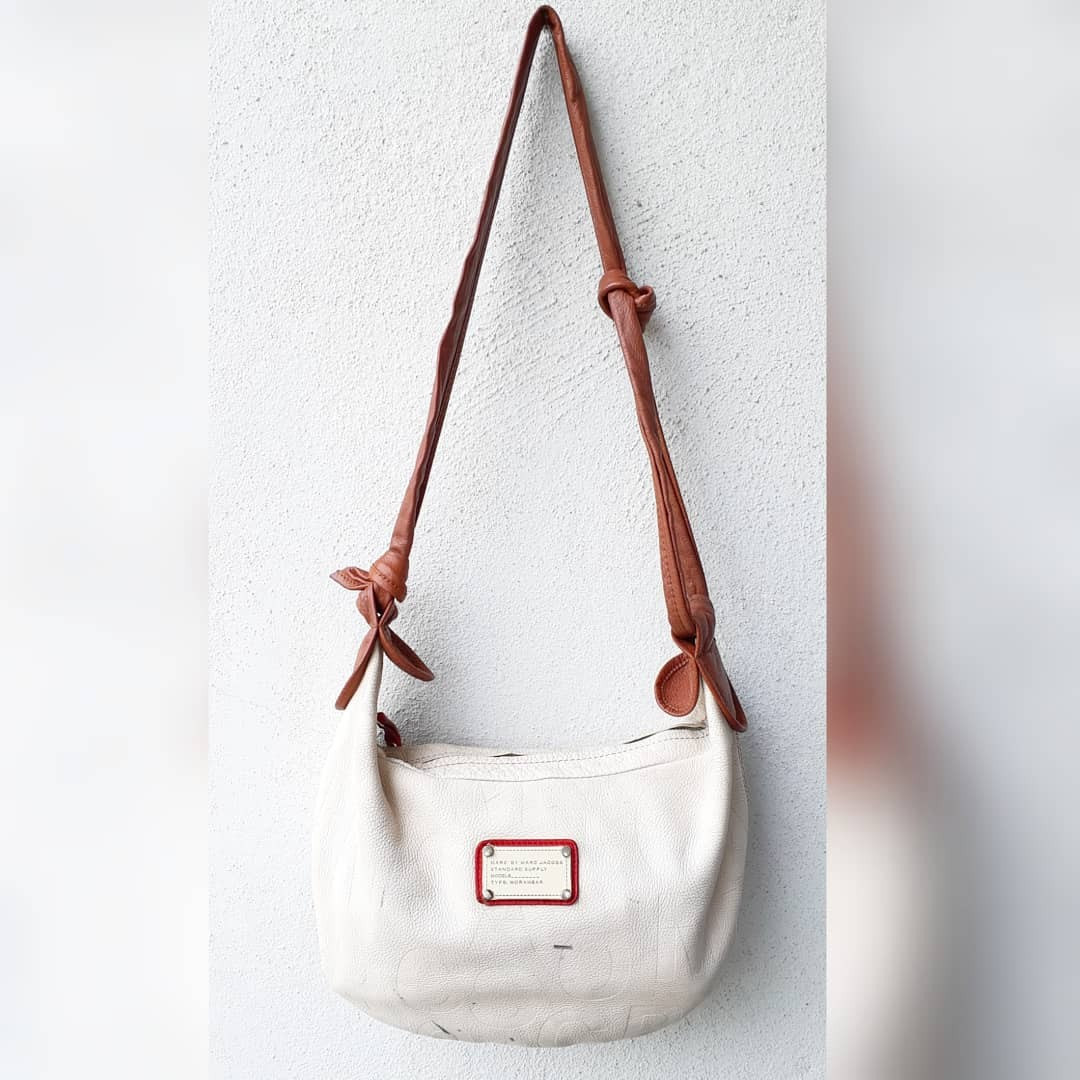 499ce33ee3 AUTHENTIC MARC BY MARC JACOBS WORKWEAR SLING BAG GENUINE LEATHER ...