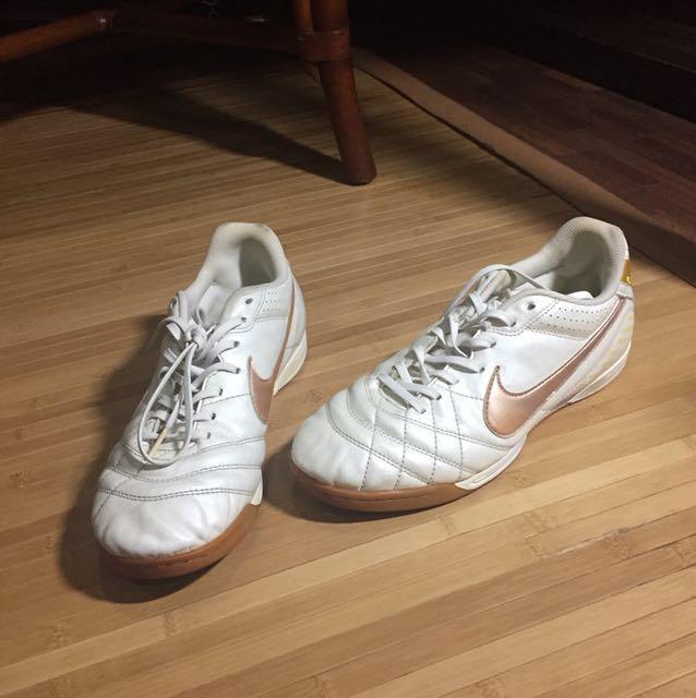 74ebad0a6 Nike Women Futsal Shoes on Carousell
