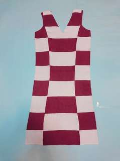 Stretchable checkered dress