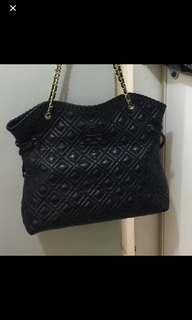 T b bag