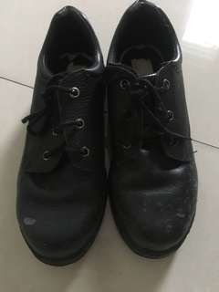 Omega safety shoes