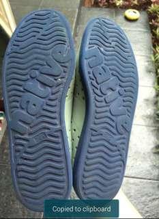 Sepatu NATIVE Pria