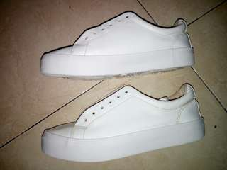 White Sneakers Bershka