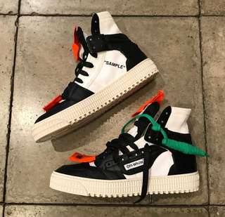 "Off-White™ 3.0 Low Sneaker Off Court ""Black-White"""