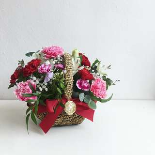 Early bird Mother's Day Korean style basket floral .
