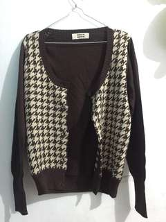 sweater rajut baru sekali pakai