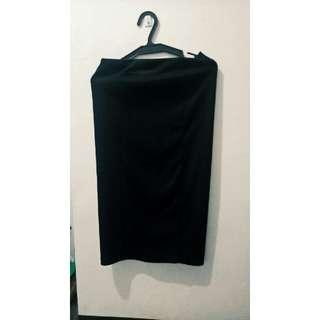 Long Plane Black Skirt