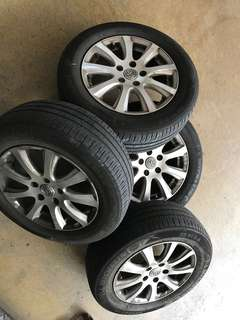 "16"" 5x114 camry oem 1 set rim with michelin tyre $200"