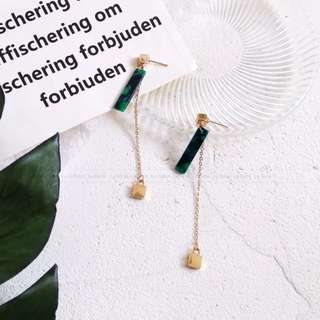 Long earrings in stock with free mail
