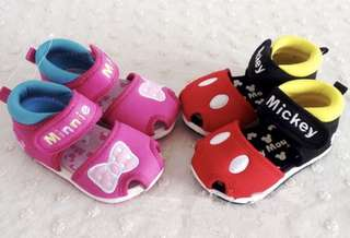 Baby shoes - 🐭🐭