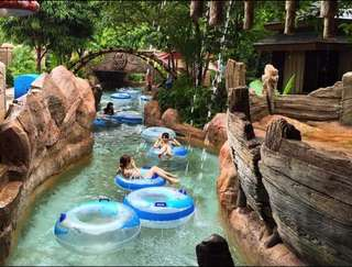 2 x Adventure Cove adult annual pass