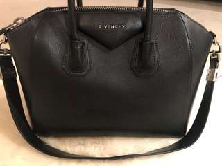 Givenchy Antigona in Pristine Condition