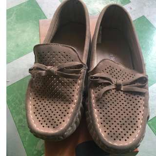 My Feet Driving shoes for kids (5-6 yrs old) size 34 (21 cm) good condition need cleaning.