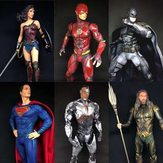 DC Collectibles Full Set of Justice League Statues