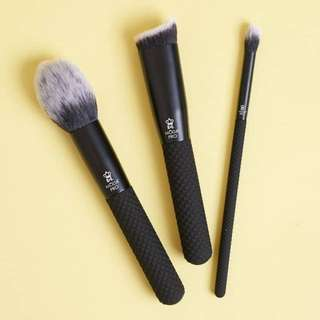 SALE‼️Moda Pro Royal&Langnickel 3 Brush Set