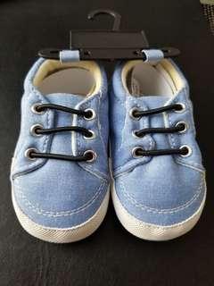 Light blue Ralph Lauren baby shoes 6-12M