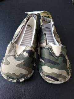 Guess baby shoes 6-12M