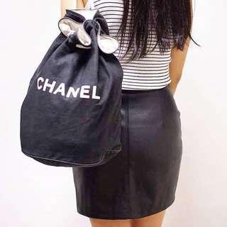 Jet Lag Chanel 帆布backpack 🌹💐🌻🏵🌸🌾🍀🌷 係實用ge. 去邊到用得著 . -專業古番認證保障 . -保障客人,歡迎第三方驗證 . -每件中古物只有一件,每件condition都不同,可提供更多相片  Wtsapp: 6489 1920.