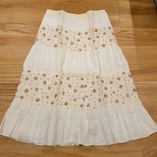 Shabby chic skirt