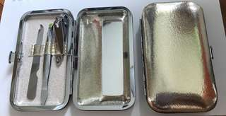 Mini Slim Manicure Set (Gold Colour)
