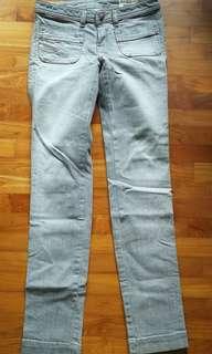 Ladies Diesel light grey skinny jeans