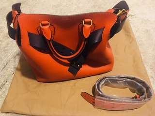 Burberry Belt Bag medium size (99% new)