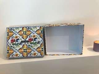 Authentic Dolce & Gabbana Box