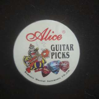 Alice pick box with 24 picks