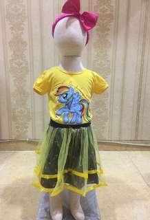 Baju anak perempuan poni dengan bawahan rok