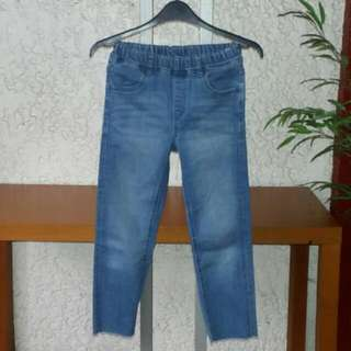 UNIQLO KIDS Stretch Jeans For Boys. Size M. Slim Fit