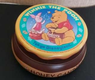 Winnie the Pooh鐵盒(購自東京迪士尼)
