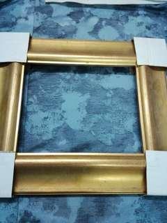 油畫木方架  38cmX32cmX3cm 全新 庫存 寬闊金色邊框架