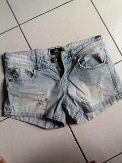 REPRICED Bershka maong shorts size 27