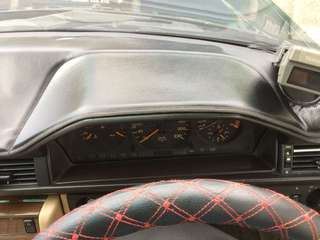 Custom-made Dashboard Mat for W124
