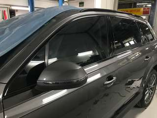 Audi Q7 door frame & roof rack dechrome to gloss black!!
